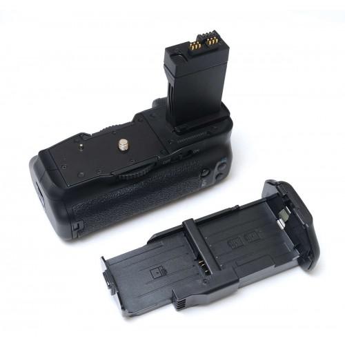 Батарейный блок BG-E8 (3в1) для Canon EOS 550D